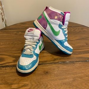Nike's youth 4.5, woman's 6/6.5